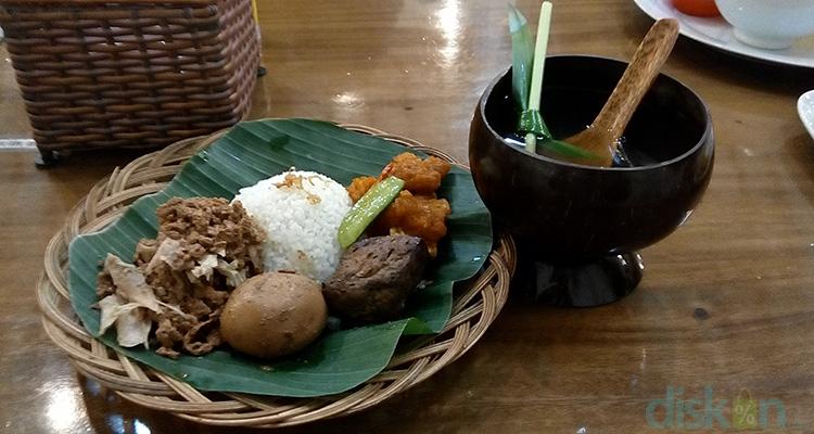 Wisata Kuliner Jogja Gudeg Manggar Mandingan (Wisata Kuliner Jogja)