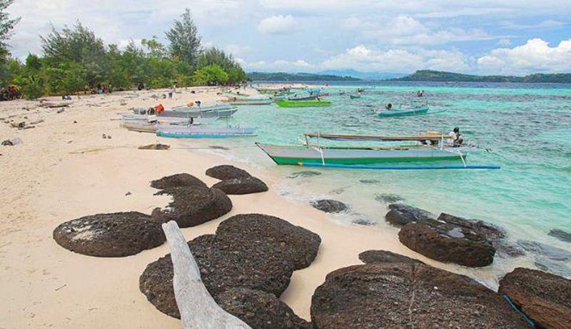 Objek Wisata Pantai Karang Citra di Gorontalo (TrpTrus)