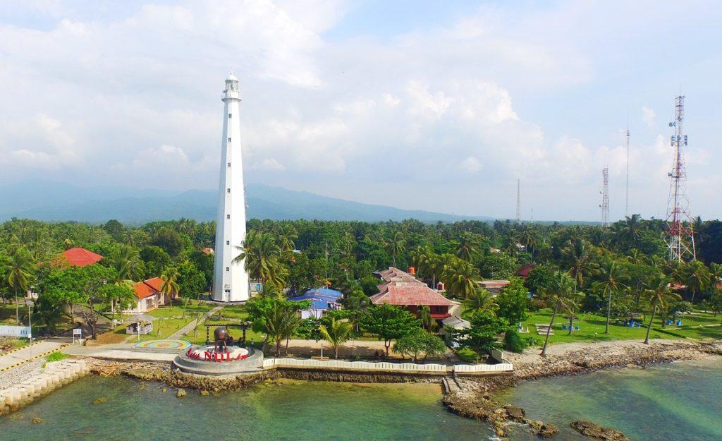 Tempat-wisata-Mercusuar-di-Anyer-Banten-iklantravel.com