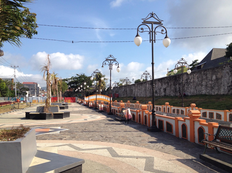 Tempat Wisata di Benteng Oranje Ternate