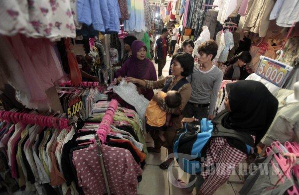 Pasar Pakaian Bekas Cimol Bandung (Tribunnews.com)