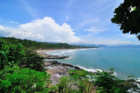 Tempat Wisata Pantai Karang_Hawu Sukabumi Jawa Barat