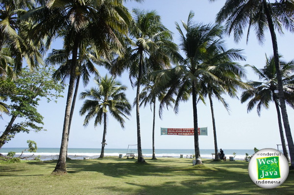 Obyek Wisata Pantai Karapyak Pangandaran