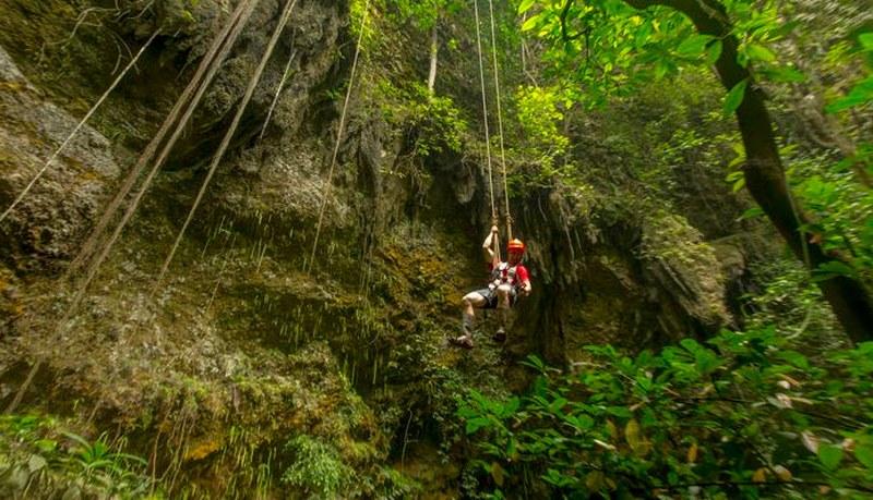 Tempat Wisata di Jogja Terkenal Goa Jomblang (Katalog Tempat Wisata - Liburan)