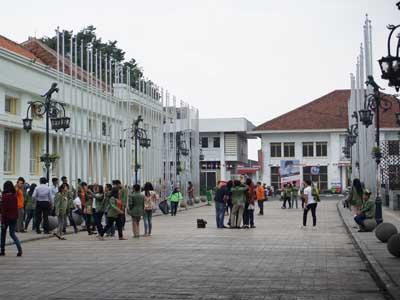 Wisata Kota Bandung Gedung Merdeka (jejakpiknik.com)