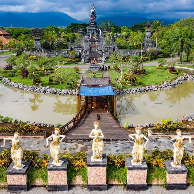 Wonderful Indonesia Pura Jagatnatha Bali (Instazu.com)