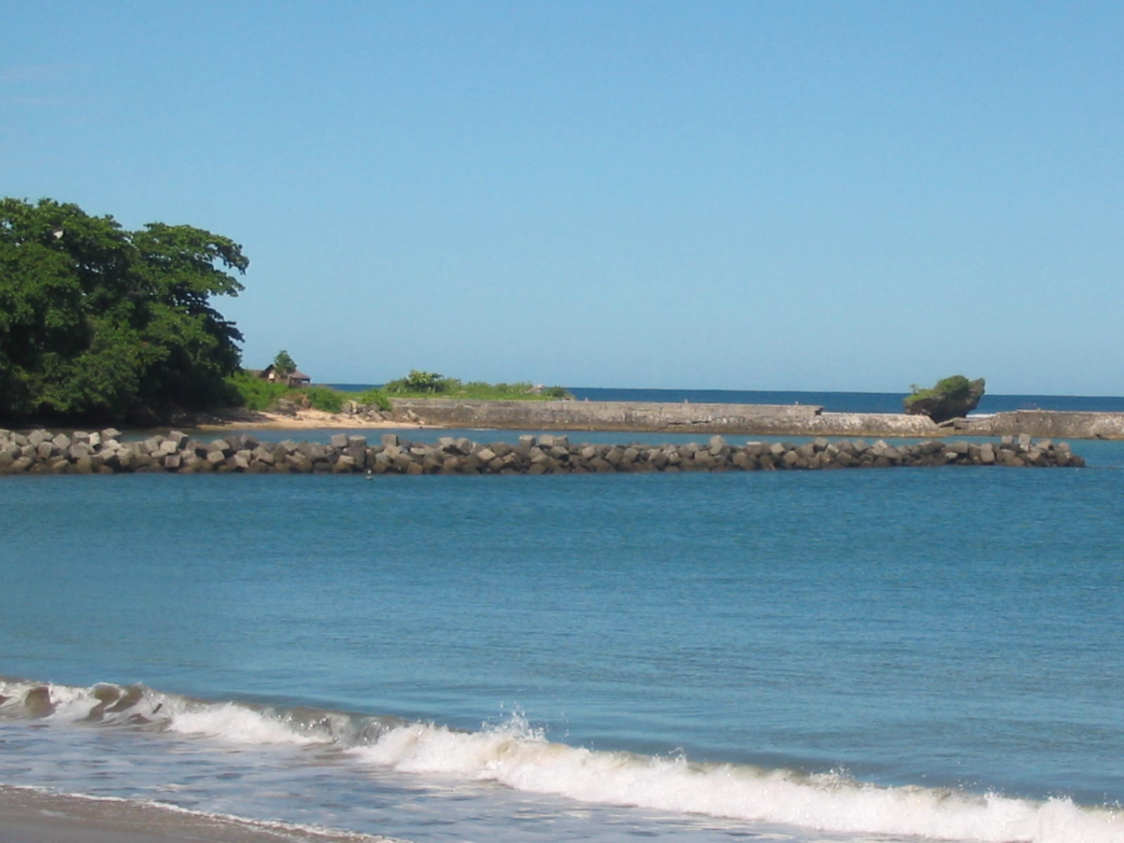 Obyek Wisata Pantai Santolo Garut