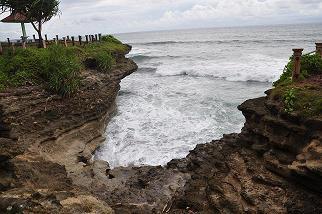 Tempat Wisata Pantai Batu Hiu Ciamis Jawa Barat