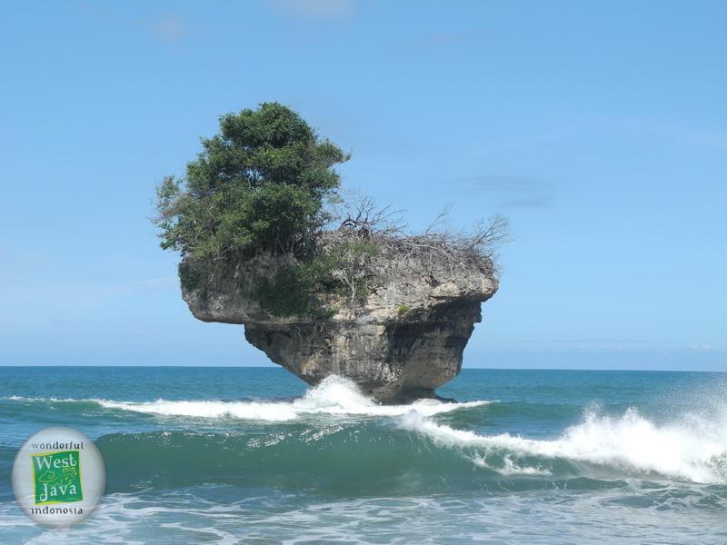 Tempat Wisata Pantai_Madasari Pangandaran